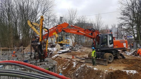 prace nad budową wiaduktu