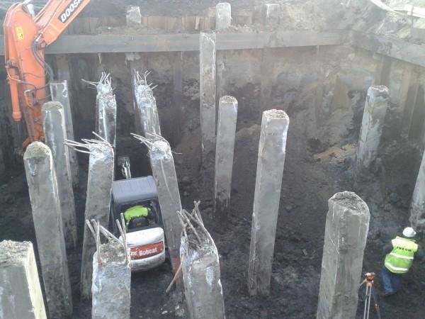 montaż słupów betonowych