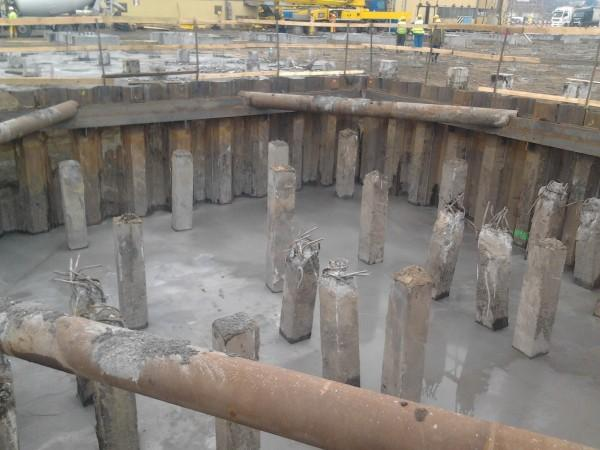 słupy betonowe