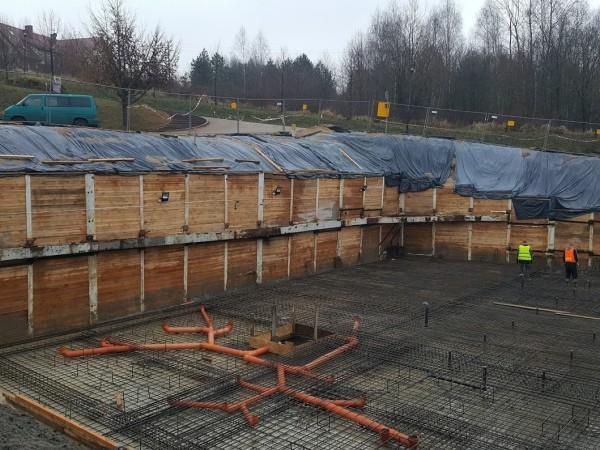 zabezpieczenie drewniane wykopu