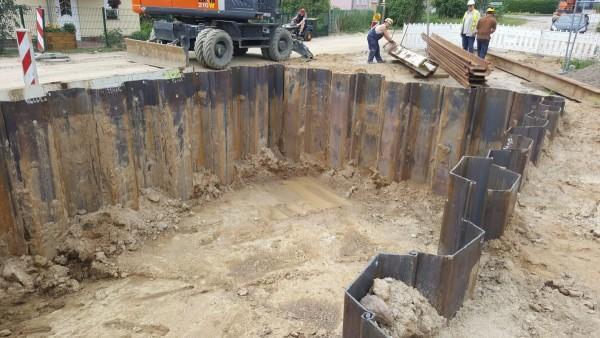 prace nad wykopem fundamentu