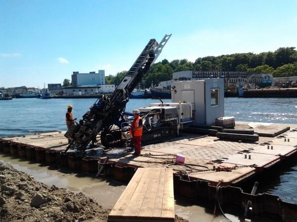 prace budowlane nad rzeką