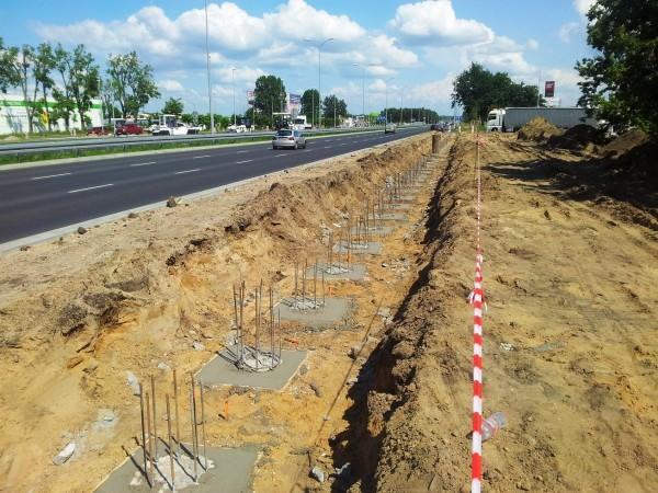 zalewanie fundamentów betonem