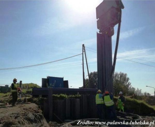 odwierty przy budowie mostu w Warszawie
